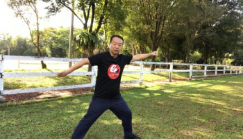 Using Tai Chi Stretches to Ward Off Shoulder Problems